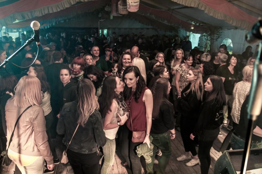 Party Coverrockband auf der Kerwa Kirmes in Rauenstein